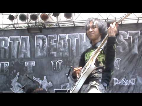 BEFORE I DIE-PEMBANTAIAN SANG PENDUSTA LIVE AT JAKARTA DEATH FEST 2011