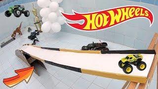 Hot Wheels Monster Jam Com Piscina Vazia Cool - Carrinhos De Brinquedos #77