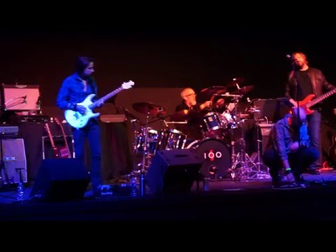 A small, instrumental interlude with original band Suite 100.