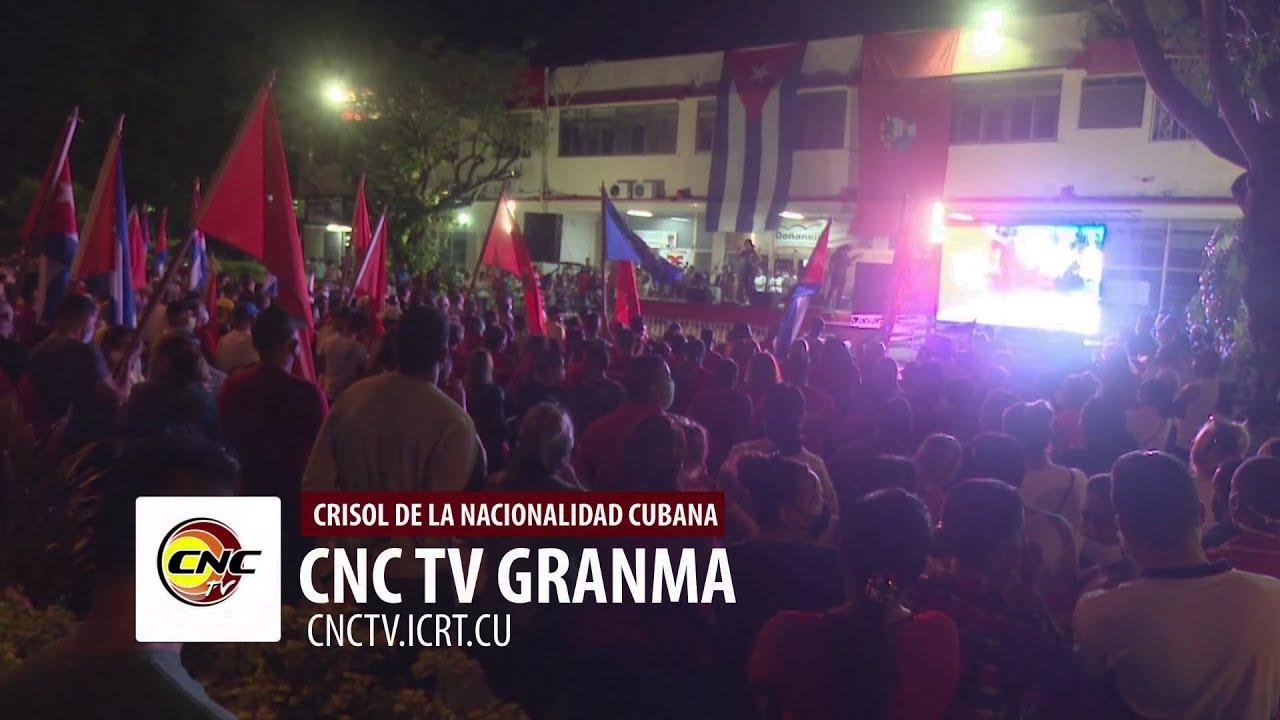 Protagonizan jóvenes granmenses campanazo en apoyo a la Revolución