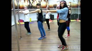 Смотреть онлайн Урок хип хоп танца для девочек
