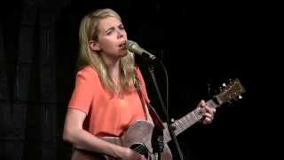 Aoife O'Donovan - Rovin' on a Winter's Night - Live at McCabe's