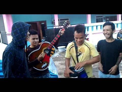 Wandra - Sing Kuat & Kelangan by Pengamen Jalanan (MRD Group) Kreatif Lucu Suara Emas Kota Jember