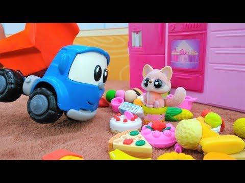 Il camioncino Leo gioca con il gatto - Video per bambini con giocattoli