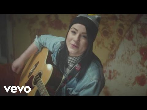 Lucy Spraggan – Lighthouse