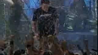Simple Plan - Grow Up ( MTV Hard Rock Live 2003)