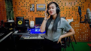 Download lagu Yeni Inka Ninggal Tatu Mp3