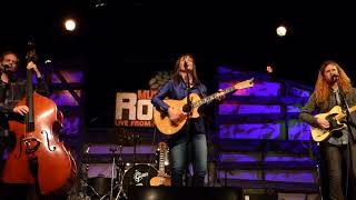 Suzy Bogguss, Two Steps 'Round the Christmas Tree (MCR)