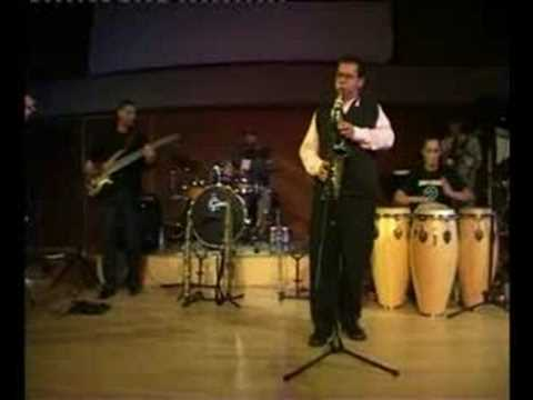 "GLENN ROBERTSON JAZZ BAND - ""FLYING HIGH"""