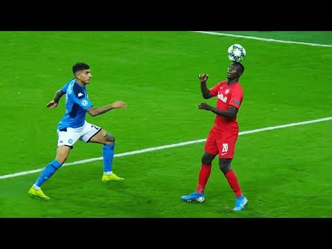 Crazy Football Showboating Skills 2019/20 | HD