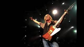 "Audio of Tom Petty & the Heartbreakers' cover of ""Money"" & ""I'm a King Bee"" - live 2002-07-20"