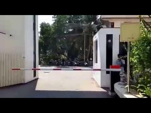 BADZ130-24V Automatic Boom Barrier