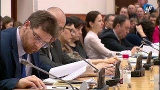 На аппаратном совещании обсудили развитие комфортной городской среды в Великом Новгороде