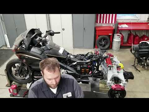 2016 Honda Gold Wing Audio Comfort in Delano, Minnesota - Video 1