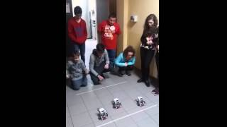 Gara tra robot LEGO Mindstorm EV3 programmati per percorrere esattamente 1 metro..