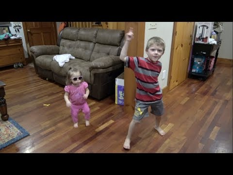 MY LITTLE SISTER STINKS - FAMILY DANCE OFF CHALLENGE