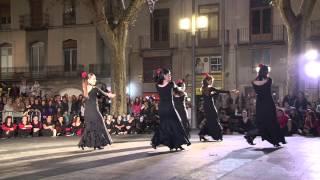 preview picture of video 'Les escoles de dansa de Figueres ballen pel Dalírium'