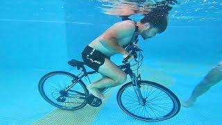 HAVUZUN ALTINDA BİSİKLET SÜRME YARIŞMASI!!  videomuz sizlerle. Arkadaşlar bugün Antalya IC Hotels Airport havuzlarında suyun altında bisiklet sürme yarışması yaptık ve çok eğlenceli oldu. İyi seyirler.  Brawl Stars İndirmek İçin: http://bit.ly/2EcdKlF  Fester Abdü  https://www.instagram.com/delimine  İrtibat & İşbirliği: delimine@creatorstation.com Türkiyenin En Çılgın YouTube Kanalı