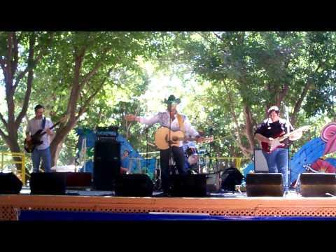 Greg Cropp Band Wet-N-Wild Waterpark 2010.MOV