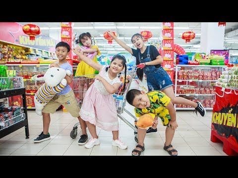 Kids Go To School | Chuns With Best Friends Go Supermarket Shopping Explore The Sand House Toys City