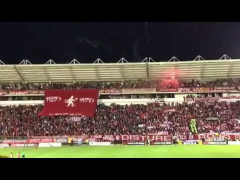 """Hinchada de América en Tunja - 2017"" Barra: Disturbio Rojo Bogotá • Club: América de Cáli"