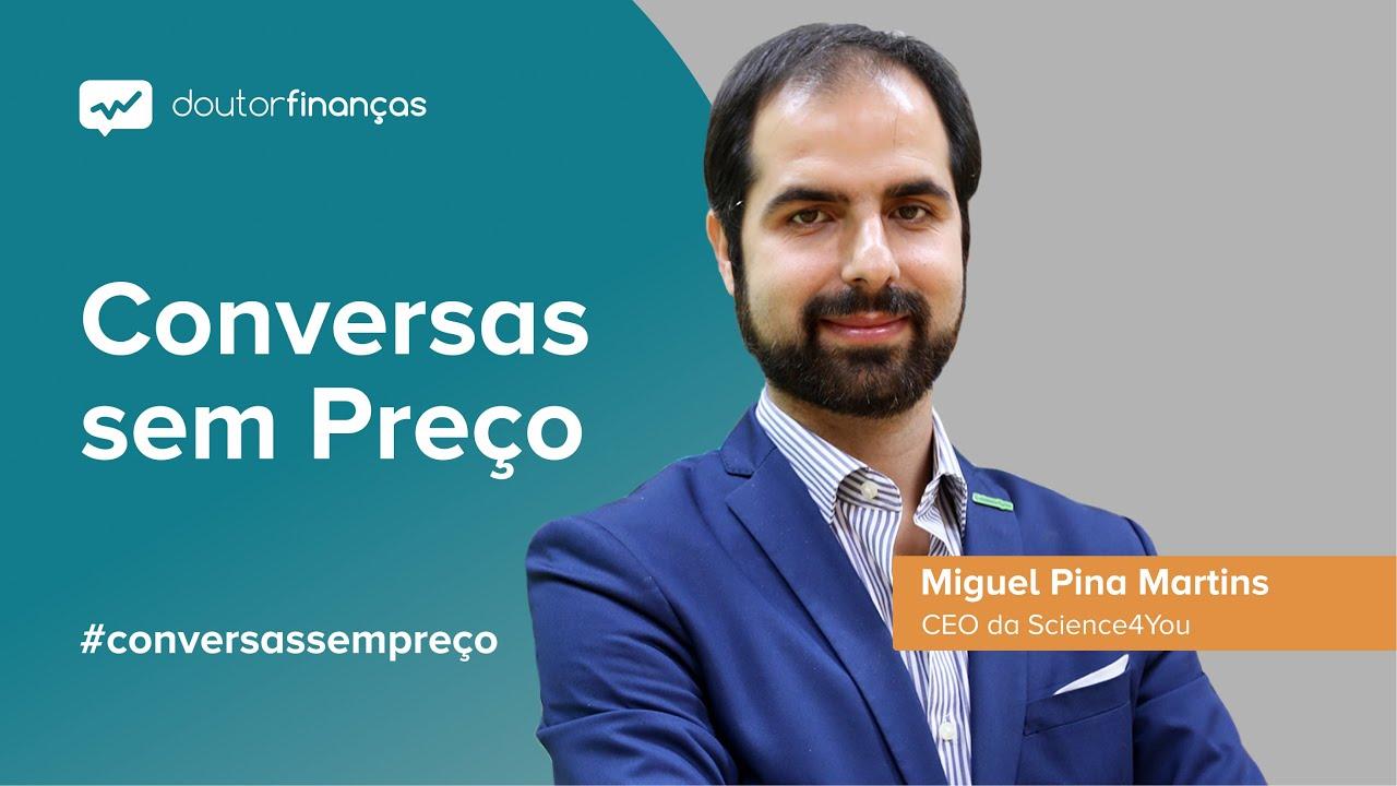 Imagem de um pc onde se vê o programa Conversas sem Preço com a entrevista a Miguel Pina Martins, CEO da Science4You