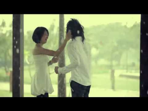 Mùa mưa đến rồi - HKT trú mưa hiển linh