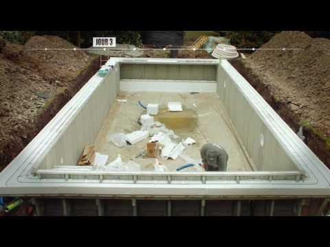 Timelapse d'une construction de piscine Le Bassin Bleu