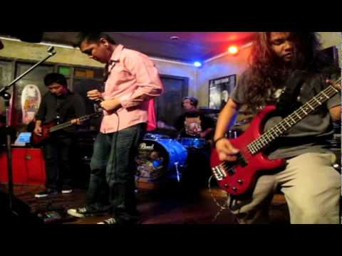Read Our Lines - FRA at TS Party Saguijo '2011
