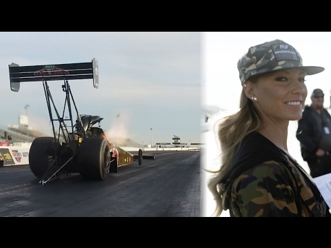 Leah Pritchett, la mujer más rápida del mundo, conduce un drasgter con 11,000 hp