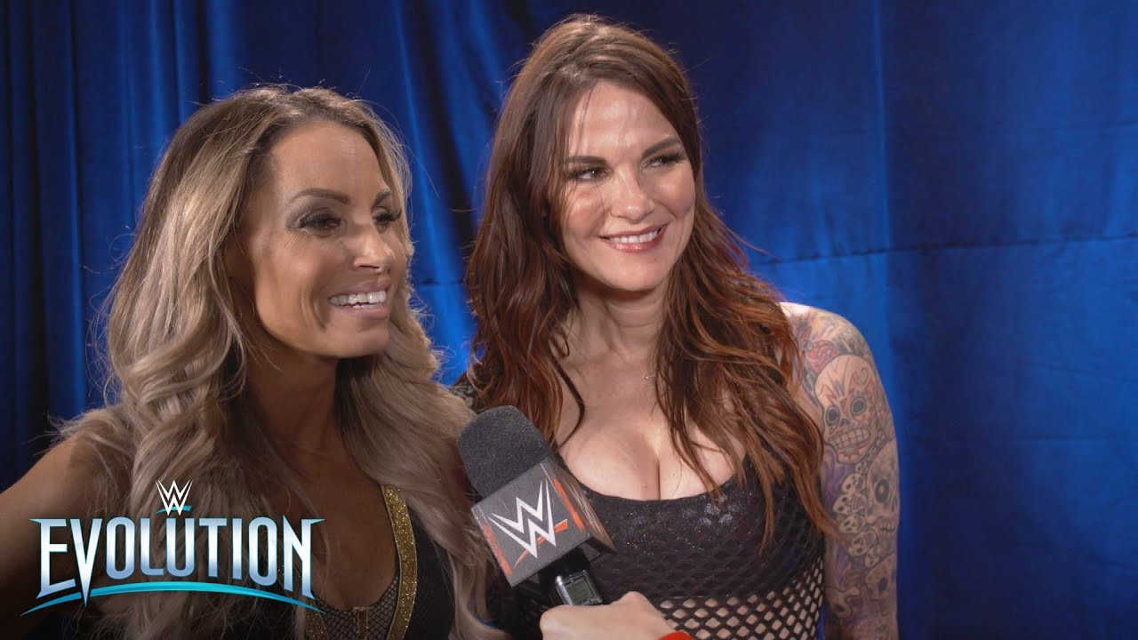 The secret to Trish Stratus and Lita's winning teamwork: WWE Exclusive, Oct. 28, 2018