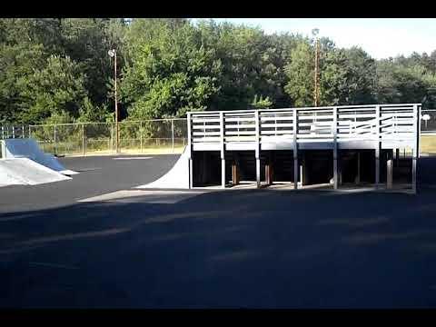 Sesh at Glen Hart Memorial Skatepark!