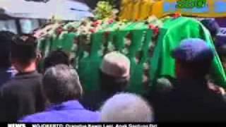 Isak Tangis Warnai Pemakaman Ahmad Fauzi_SBO
