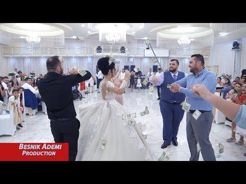 Vellezerit e mbulojne me para ciftin,  dasma (Andy & Virxhinia)