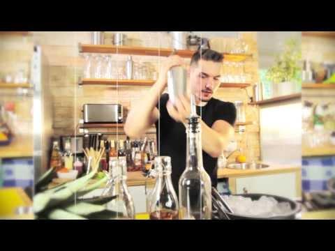 """Mineralwasser-Cocktail mit Sellerie: """"Vanilla Veggie"""""""