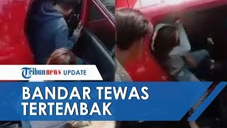 Detik-detik Bandar Narkoba Tertembak di Kepala saat Diburu, Mobil Nyebur Got dan Jadi Tontonan Warga