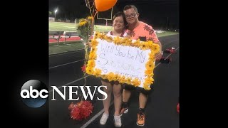 Teen surprises cheerleader girlfriend with sweet homecoming invite