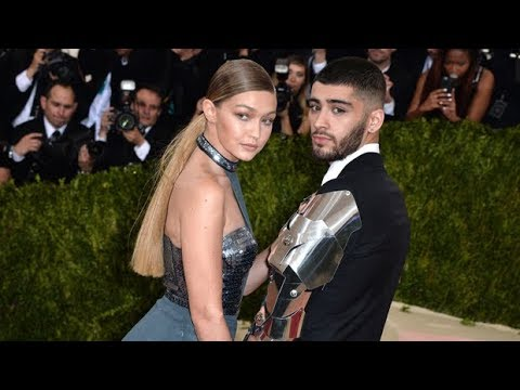Pregnant Gigi Hadid Kisses Her 'Baby Daddy' Zayn Malik In Sweet New Pic