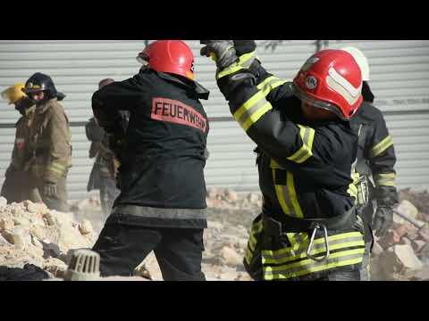 Роботи з розбору обваленої стіни житлового будинку в Одесі припинено через загрозу нового обвалу