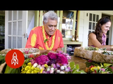 How Lei's are Made in Hawaii