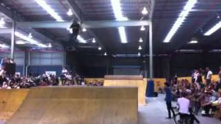 Charlie - The Twix (barspin & tailwhip at the same time) BMX