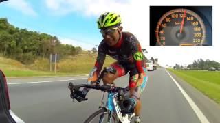 Dünya Rekoru Kıran Adam Bisikletle 145 Km Yaptı