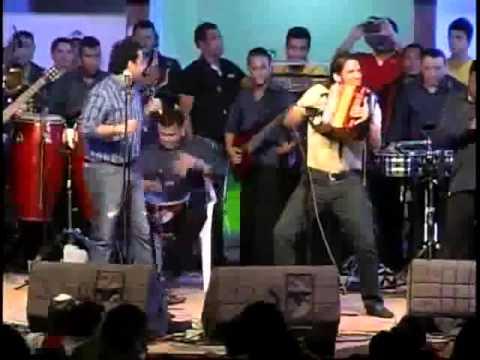 El Boom Del Momento - Chinu Martin Elias & Juancho...