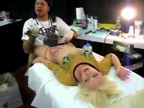 Porn na may maliit na bubelya at labia majora