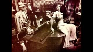 My Feel Keep Dancing -  Chic   (1979)