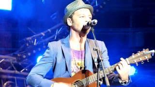 Christophe Mae - Va Voir Ailleurs @ Concert France Bleu ; Arènes de Nimes. 01/07/10