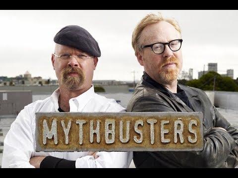 Cazadores de mitos El mito del cepillo de dientes en el baño