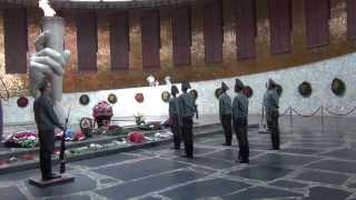 Stalingrad, Mamaev Kurgan, Changing of the Guard\Сталинград, Мамаев Курган, Смена Почётного Караула