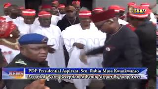 Rabiu Kwankwaso accorded warm reception at Benin airport by supporters