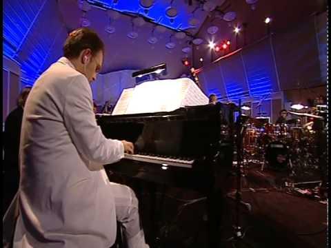 מופע מוזיקלי נהדר שמשלב בין מוצרט לסלסה